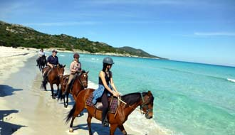 RIDE IN FRANCE - Swim with horses in Corsica