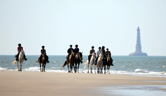 RIDE IN FRANCE - Canter on the beach in Medoc